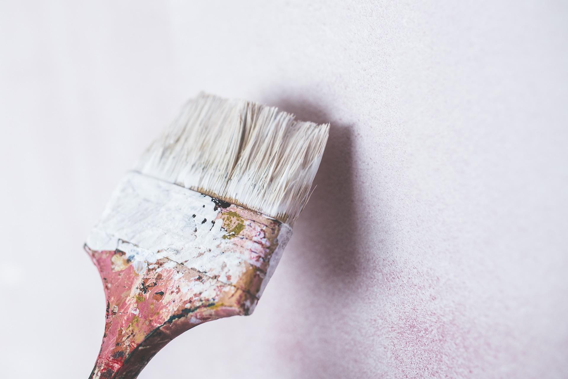 apartment-unique-paint-walls